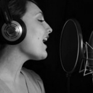 italian female voiceover talent professional